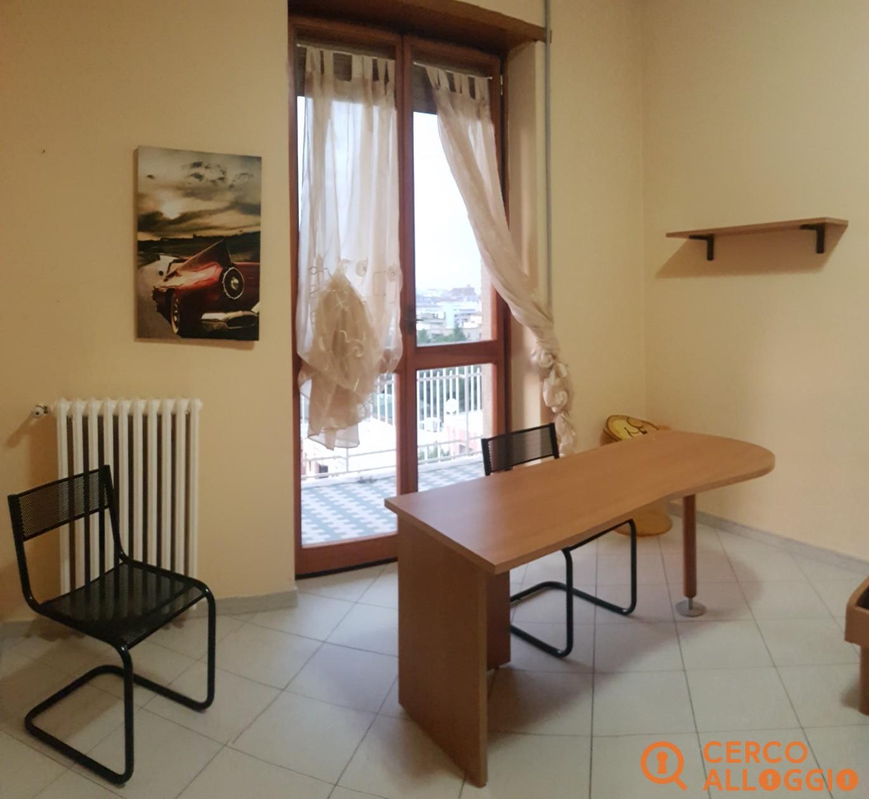Camera singola moderna, spaziosa e conveniente!