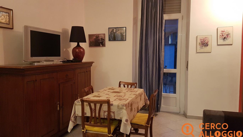 Due stanze doppie in appartamento zona crocetta